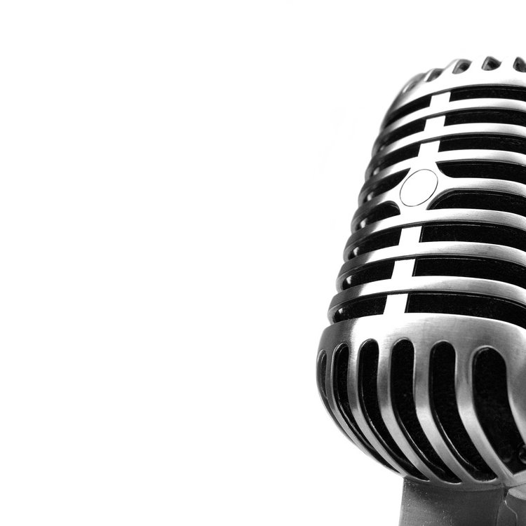 Ws silver mic 2560x1920