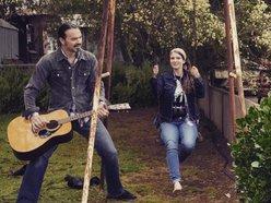 Marisa & Mark (MDV MUSIC)
