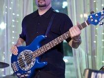 Oscar Urcuyo ~ Bass Projects
