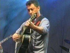 Max Nogueira