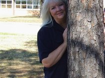 Judy LeNora -- singer-songwriter-poetry