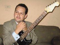 Elvis Arturo