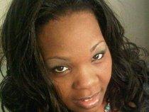 Psalmist Gina Redwood