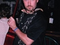 Mike Dardis, solo performer