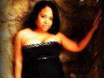 Desiree' Charis