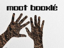 Moot Booxle