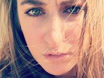 Chelsea Lovelle