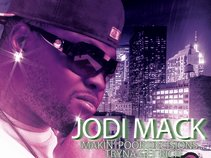 Jodi Mack (@JodiMizzle)
