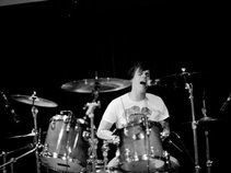 LEWY-H - Official (Drummer / Songwriter)