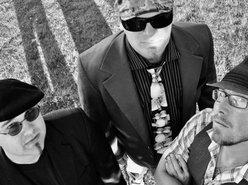 The Giddy Robins Trio