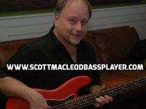 "Scott Macleod ""Bassplayer"""