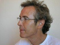 Alberto G Mas