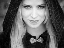 Jonina Aradottir (Nóní music)