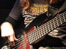 Nuno Correia - Bass
