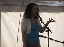 Linda Dust Singer/Storyteller