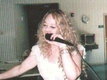 Suzanna Kay