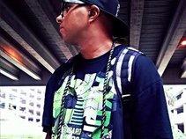 DJ HANGLOOSE