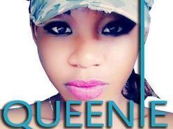 Queenie Muzik