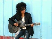 Maxine Soakai Singer and Songwriter