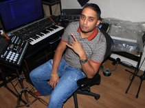 Hotel Kingpin aka Yoga Flame (Rap,DJ,Producer)