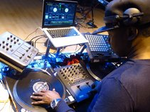 DJ TRACKMASTER KOOL
