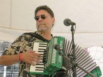 Alexander Uskuraitis Music