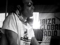 LEONARDO PIVA dj & producer