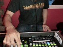 DJ basketQASE