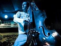 Bassist Jon Shea