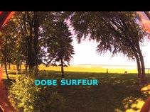 Dobe surfeur