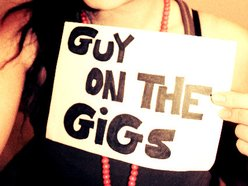 Guy On The Gigs
