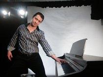 Gabriel Costa Pianist Solo