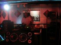 DJ RON RELLA