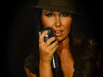 Nolie - Singer/Songwriter