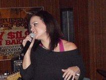 Nicki Phillips