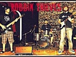 Robbin' Thieves