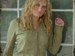 Nikki Cole