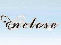 Enclose Band