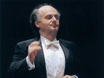 Nurhan Arman, Conductor