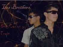 Los Brothers (Erwin y One Carlos)