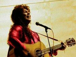 Ashley Moore - Musician