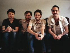 Naive Thieves
