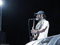 Nos Meshakel Band|نص مشكل باند