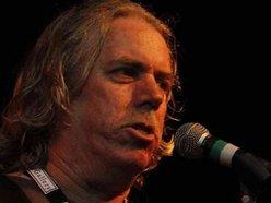 Alan Lowe