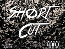 Shørt Cut