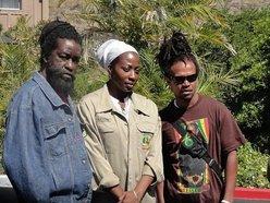 Black Uhuru (Derrick Simpson, Andrew Bees & Kaye Starh