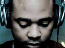 DJ DEW