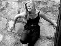Shanna Henderson