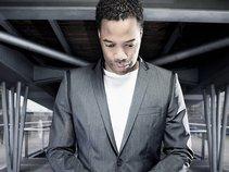 Tyrone Lee