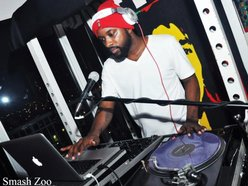 DJ H2